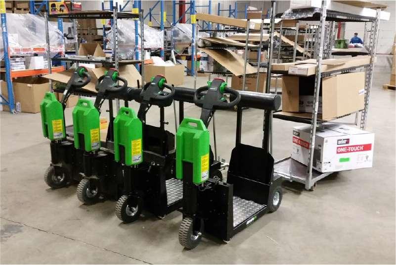 elektrické tahače t1000-platform s plošinou pro stojícího řidiče, čtyři tahače ve skladu