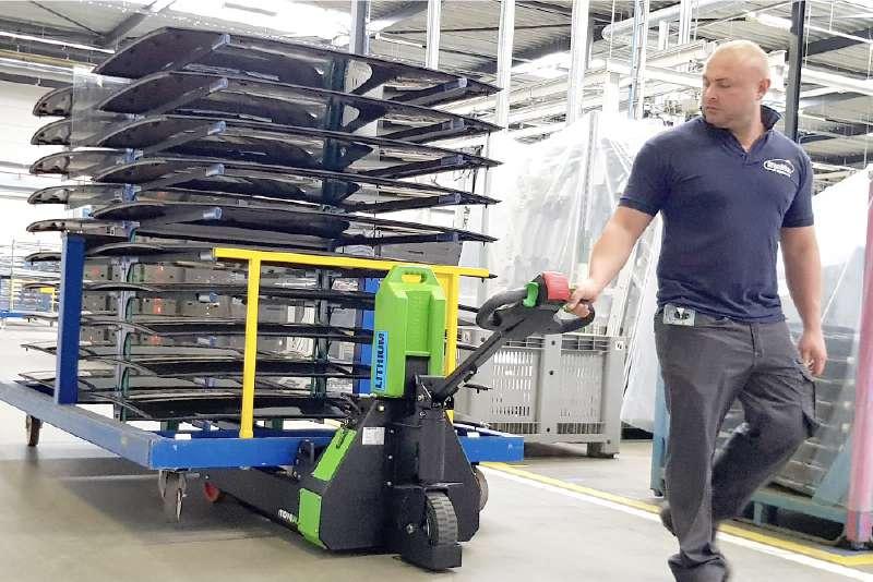 ručně vedený elektrický tahač t1000-rz manipulace ve výrobě, snadná přeprava vozíku, který má 4 otočná kolečka