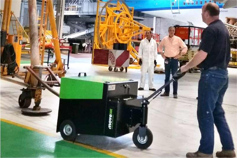 elektrický ručně vedený tahač t6000, manipulace těžké techniky ve výrobě
