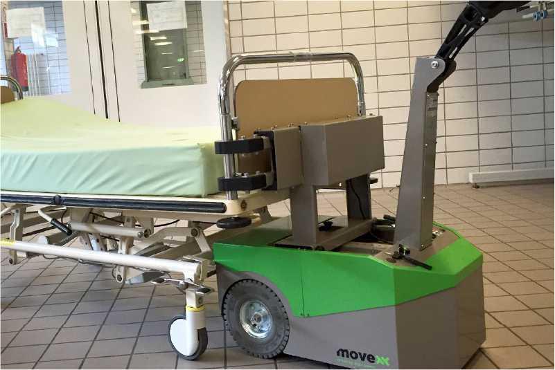 ručně vedený elektrický tahač bm500r-ffc pro nemocnice pomocí háku uchytí jakékoliv nemocniční lůžko