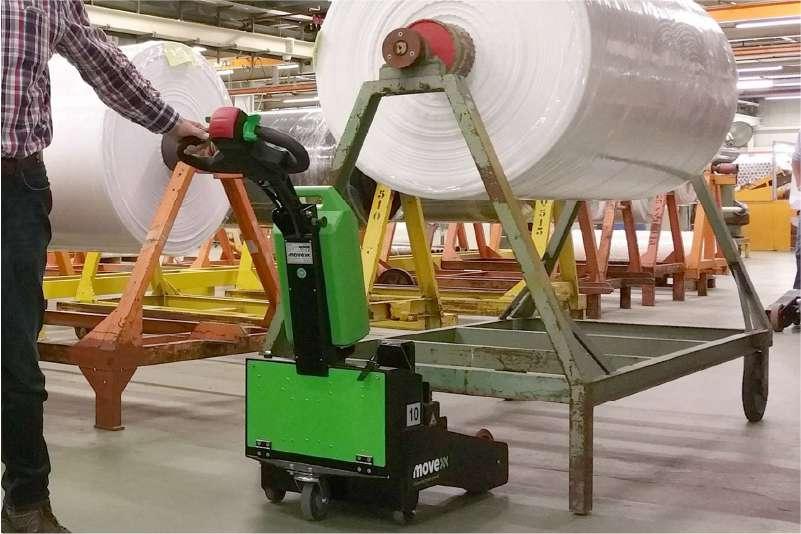 elektrický ručně vedený tahač t2500-p v textilním průmyslu, přizvednutí vozíku s podstavci elektrickým zdvihem háku
