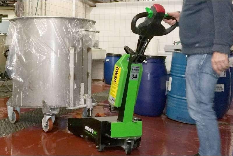 manipulace sudova nadoba na koleckach rucne vedeny elektricky tahac t1000