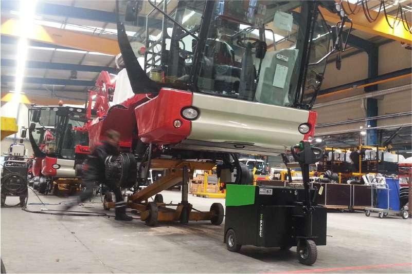 elektrický ručně vedený tahač t6000 manipuluje těžké polotovary strojů ve výrobě
