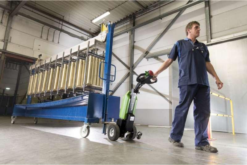elektrický ručně vedený tahač t1000 veze pojízdný stojan ve skladu