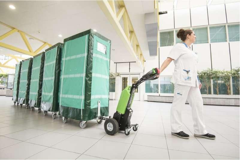 elektrický ručně vedený tahač t1000 pro nemocnice, manipulace několika klecí se zdravotnickým materiálem