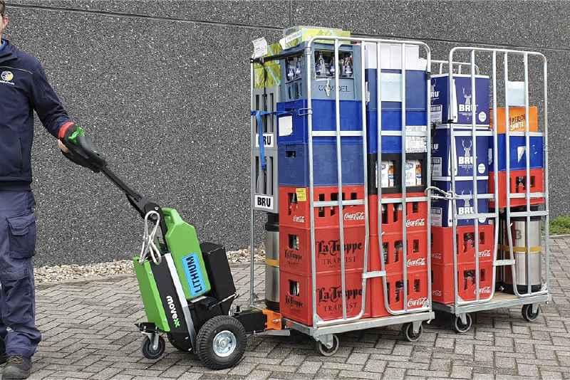 ručně vedený elektrický tahač t1500 využijete pro zásobování obchodů, připojení dvou přepravních klecí za sebou pomocí elektrického háku
