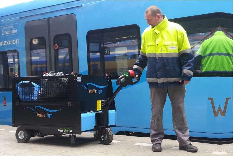 elektrický ručně vedený plošinový vozík P300 800x1200, manipulace zavazadel na nádraží