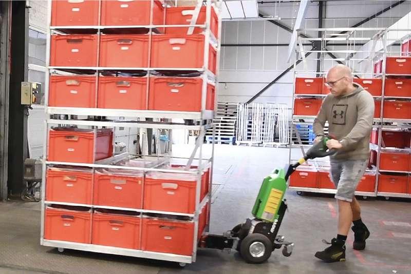 elektrický ručně vedený tahač t1000, snadná manipulace při nakládce/vykládce kamionu