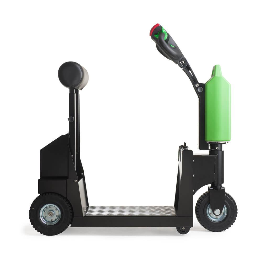 elektrický tahač t1000-platform s plošinou pro stojícího řidiče a s lehce vyměnitelnou baterií patří k nejprodávanějším tahačům, foto z boku