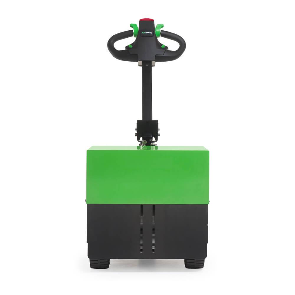 elektrický ručně vedený tahač t2500 utáhne 2500 kg těžký náklad na kolečkách, foto zepředu