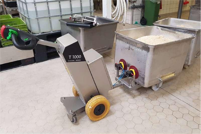 elektrický ručně vedený tahač t1000-cleanroom a vakuové přísavky, manipulace nádoby na kolečkách