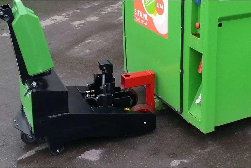 elektrický ručně vedený tahač t2500-p venkovní použití, pro připojení k nákladu používá hák s elektrickým zdvihem
