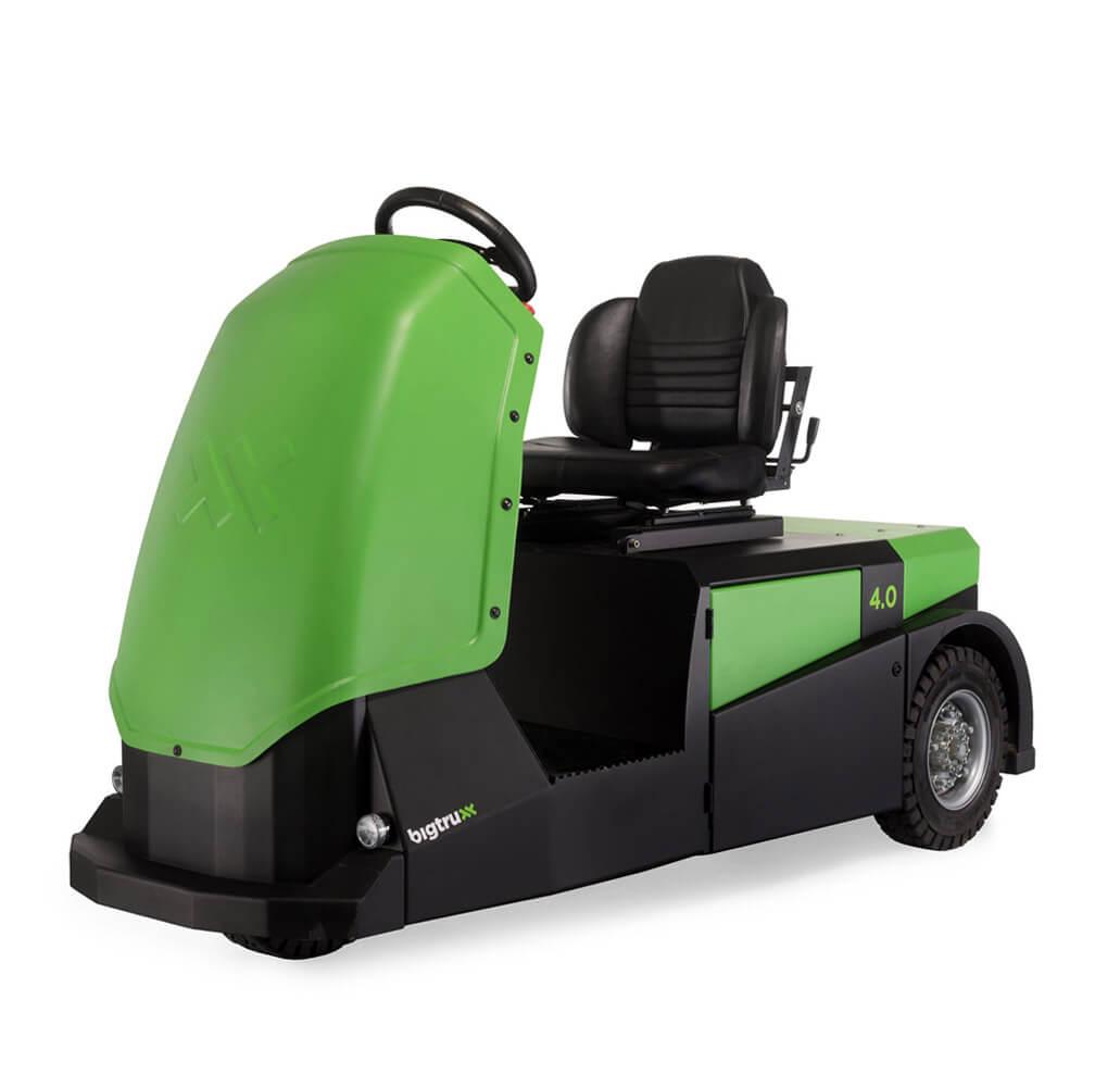 elektrický tahač bt4000 pro sedícího řidiče s pohodlnou sedačkou a vestavěnou baterií utáhne až 4 tuny nákladu, úvodní foto