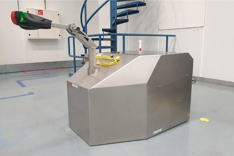 elektrický ručně vedený tahač t6000-cleanroom s vestavěnou baterií utáhne až 6000 kg, foto z provozu