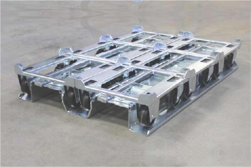 paletový adaptér s prázdnými přepravními vozíky dolly od k.hartwall