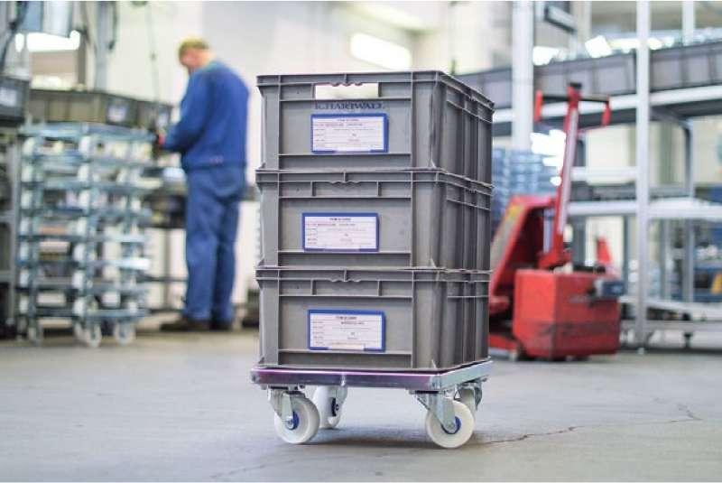 přepravní vozík dolly od k.hartwall s klt boxy ve skladu