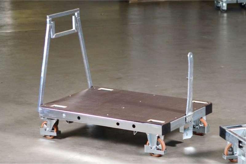 plošinový přepravní vozík pallet size dolly s tažnou ojí ve skladu