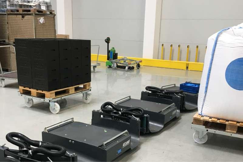 b-rámy liftliner pro transport přepravních vozíků ve skladu